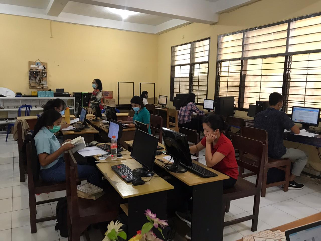 , Ujian Akhir Mahasiswa Universitas Terbuka di SMK TI