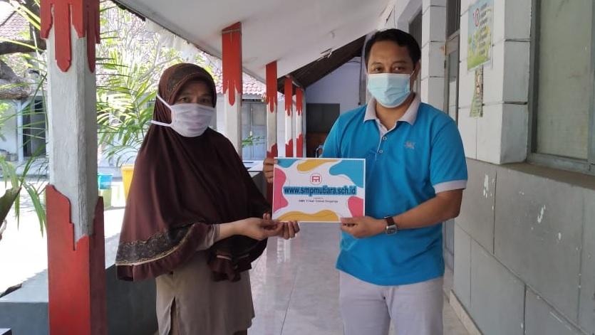 , Serah Terima Website SMP Mutiara Singaraja